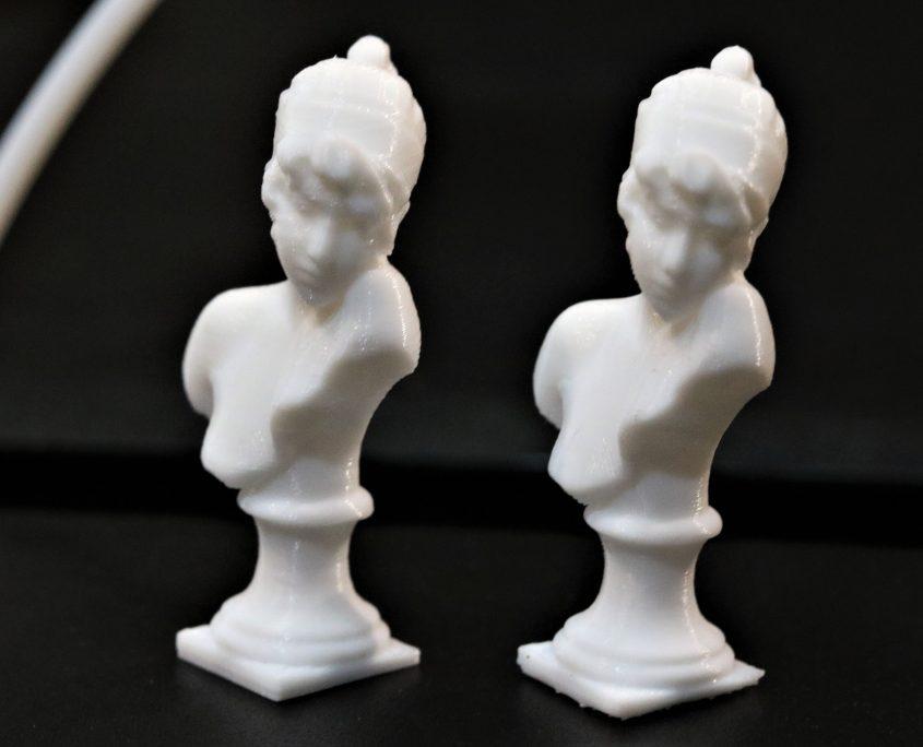 نمونه پرینت شده- 100 میکرون (راست) 200 میکرون (چپ)